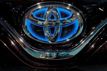 Toyota es acusado de usar tecnología de motor robada, en una extraña demanda