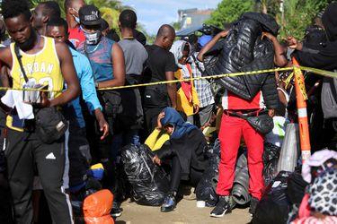 Hallan diez cadáveres de posibles migrantes haitianos en selva de Panamá
