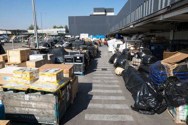 Gremio de empresas de courier advierten inminente colapso tras miles de encomiendas abandonadas en el Aeropuerto de Santiago