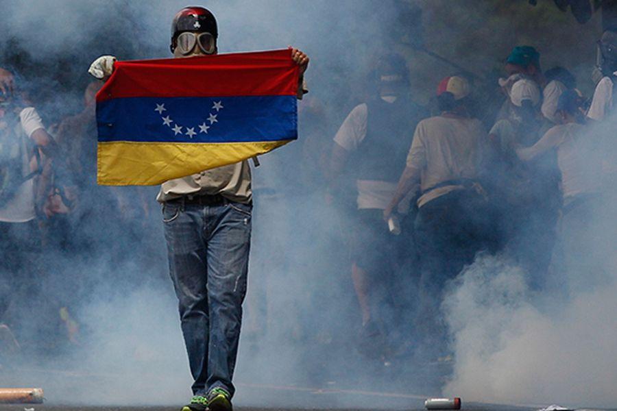 Venezuela an-anti-government-pro18789553