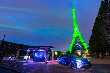 Toyota ilumina la Torre Eiffel con hidrógeno verde