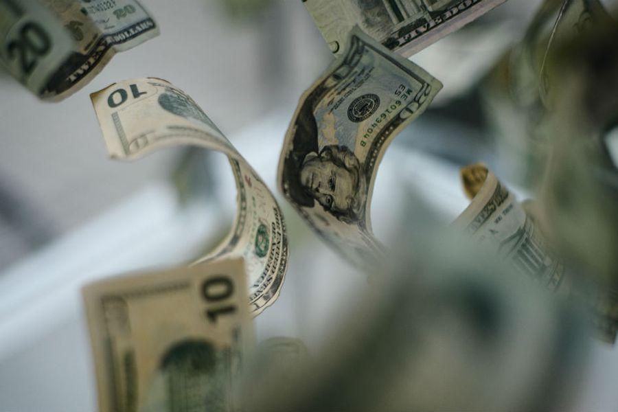 Dólar retoma tendencia al alza ante negativas perspectivas para la economía externa y local por las cuarentenas