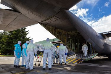Durante toda la pandemia: Fach ha trasladado a 263 pacientes Covid-19 a diferentes puntos del país en 81 misiones de vuelo
