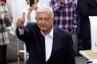 López Obrador renuncia a los privilegios gubernamentales: No tendrá seguridad oficial ni avión presidencial