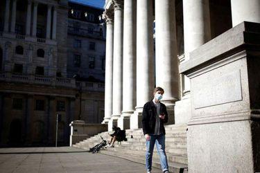 Reino Unido establece uso obligatorio de mascarilla en espacios cerrados desde este sábado