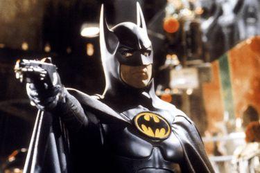 El símbolo del Batman de  Michael Keaton es el foco de una nueva foto detrás de escenas de la película de The Flash