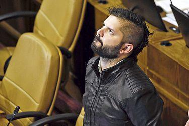 """Gabriel Boric defiende la coordinación entre el FA y el resto de la oposición: """"Creer de que aislados nos las podemos todas es inviable"""""""