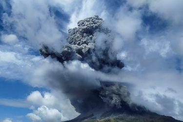 Las impresionantes imágenes que dejó la erupción del volcán Sinabung en Indonesia
