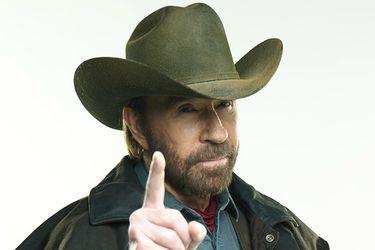 Chuck Norris sobrevivió a dos infartos en menos de una hora