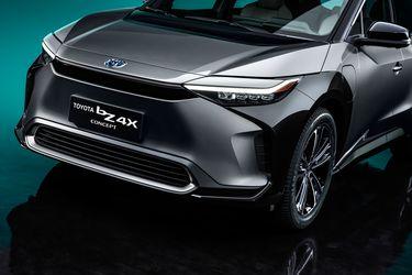 Toyota introduce su SUV eléctrico bZ4X y anuncia un ambicioso plan global hasta 2025