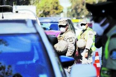 ¿Se deben modificar las atribuciones constitucionales de las Fuerzas Armadas y Carabineros? Cuatro miradas a su rol en la pandemia