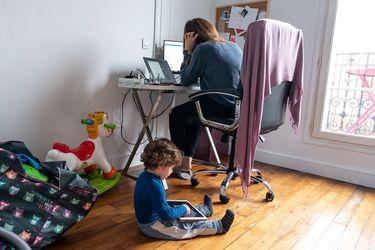 Cuarentena: en siete de cada de 10 hogares las mujeres son las que están a cargo de los niños