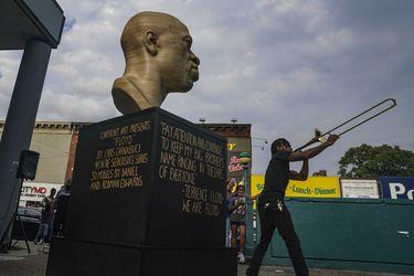 Vuelven a vandalizar estatua de George Floyd en Nueva York