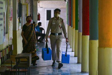 India supera el umbral de los 380.000 muertos tras notificar más de 2.300 durante el último día