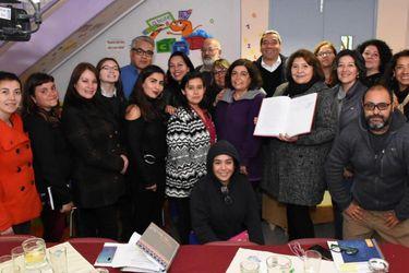 Niñas de Independencia le cambian el nombre al primer colegio multigénero del país: Se llamará Liceo Eloísa Díaz