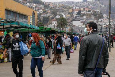 Región de Valparaíso supera los 30 mil casos de Covid-19 y Aysén se acerca al millar