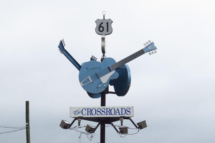 The Crossroads, que une la Ruta 61 con la 41 y donde se cuenta que Robert Johnson le vendió su alma al demonio.