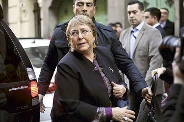 El bajo perfil de la visita de Michelle Bachelet a Chile