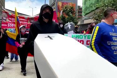 La violencia y las protestas no dan tregua en Colombia y ya entran en su tercera semana