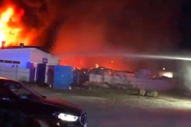 Voraz incendio destruyó dependencias de Empresas Quillayes en Calera de Tango