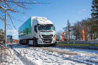 Las primeras carreteras para cargar vehículos eléctricos entran en fase de prueba