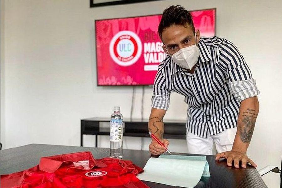 Jorge Valdivia, el día en que firmó por Unión La Calera.