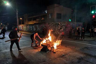 Realizan barricadas y encienden fogatas en distintos puntos de la capital