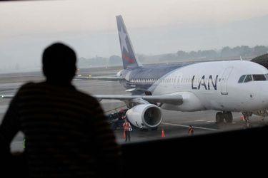 Deudas con bancos extranjeros y chilenos, motores y aviones en garantía: ¿Quiénes son los acreedores de LATAM?