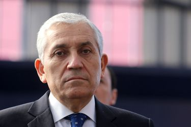 """""""Su libertad es un peligro para la seguridad de la sociedad"""": Juzgado fija prisión preventiva para exdirector general de la PDI Héctor Espinosa"""