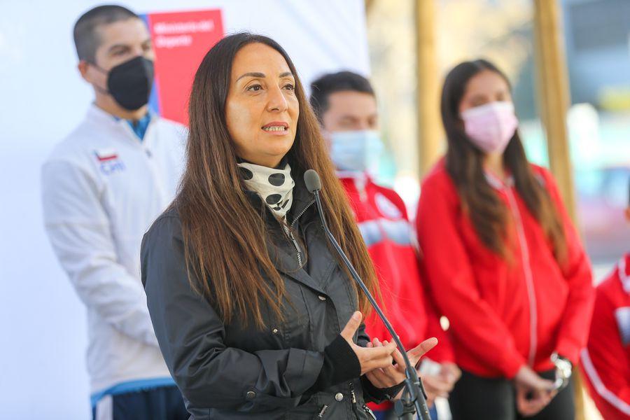 La ministra Cecilia Pérez, en la actividad con los deportistas para incentivar la vacunación