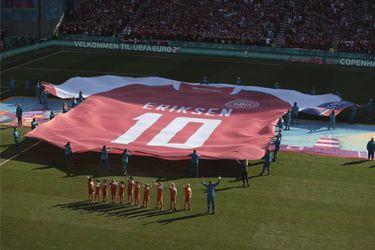Bélgica vence a Dinamarca en un partido marcado por los homenajes a Eriksen
