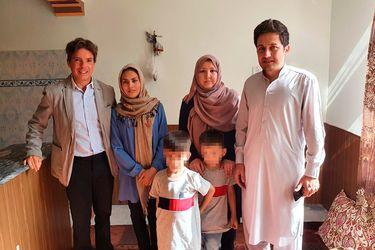 Operativo del gobierno para recibir refugiados afganos: Cancillería concreta gestiones y embajador argentino en Pakistán entregará salvoconducto a profesora para que viaje a Chile