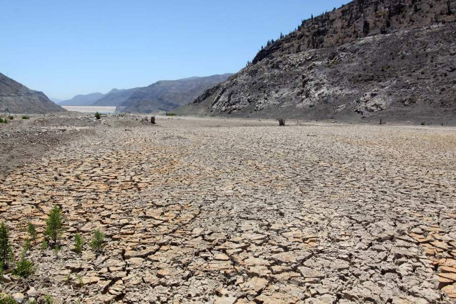 La megasequía en Chile cumplió diez años. Olas de calor, falta de precipitaciones y mal uso de las aguas son las principales causas.