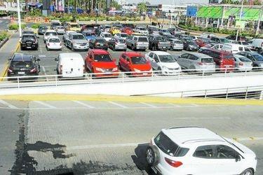 Estacionamientos: Gobierno no apoyará proyecto que otorga 30 minutos de gratuidad