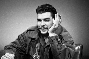 """UDI pide que textos escolares consignen """"crímenes"""" del  Che Guevara"""