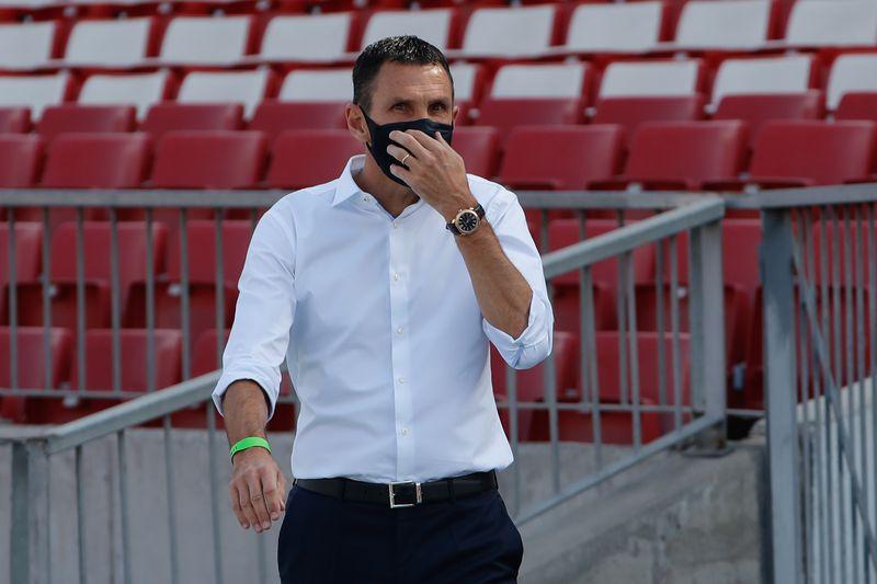 Gustavo Poyet, nuevo entrenador de Universidad Católica. Ya ganó la Supercopa con la UC.