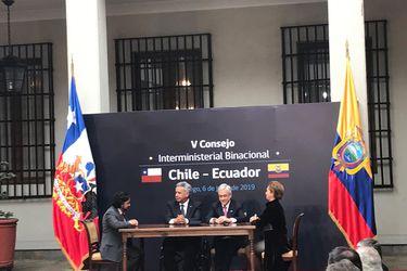Chile y Ecuador firman acuerdo de homologación de licencias de conducir