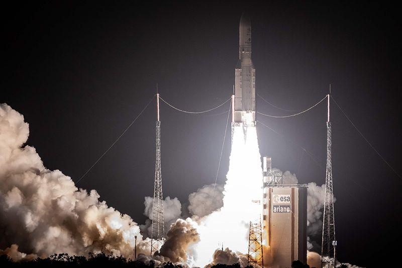 An-Ariane-5-lifts-off-(23921561)
