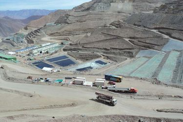 Sindicato de mina Caserones rechaza oferta de la empresa e iniciará huelga este martes