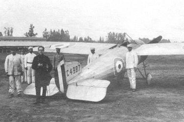 El aviador Armando Cortínez realizó el cruce de Los Andes hace 100 años. Archivo