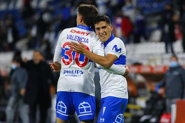 Marcelino Núñez celebra con Diego Valencia. Foto: AgenciaUno.