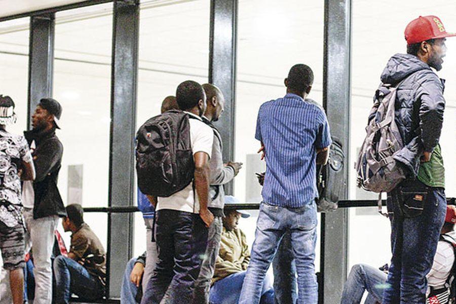 imagen-inmigrantes-haitianos-llegan-a-chile-38576226