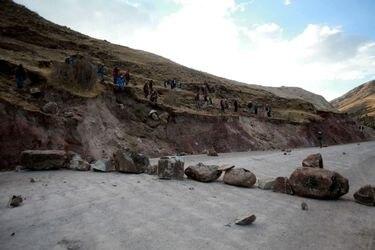 Protestas contra mineras se extienden en Perú y afectan a grandes empresas cupríferas extranjeras