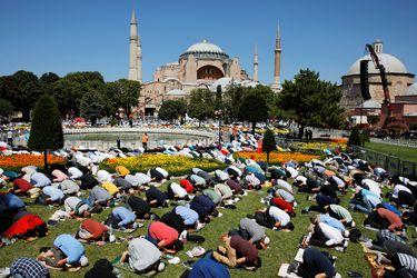 Las imágenes que marcaron la apertura de Santa Sofía como mezquita en Estambul