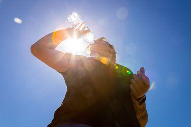 Dirección Meteorológica emite alerta por altas temperaturas entre la RM y el Maule
