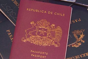 Aisino: la empresa china que podría quedar a cargo de los pasaportes chilenos