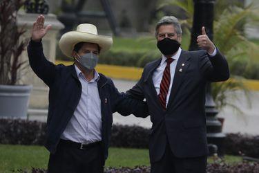 En busca de gobernabilidad: la variopinta coalición que sostendrá a Pedro Castillo en el Congreso peruano