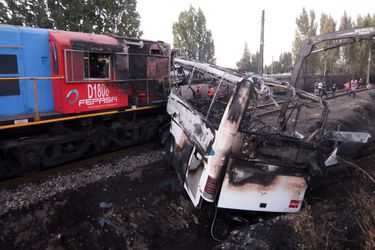 Formalizan por cuasidelito de homicidio a conductor de bus que fue impactado por tren de carga en Cabrero