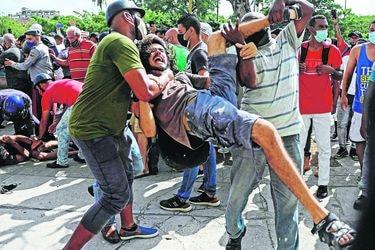 Medios independientes y redes sociales: El nuevo enemigo público del gobierno cubano