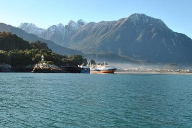 Mueren tres pescadores tras naufragio de lancha en Chaitén